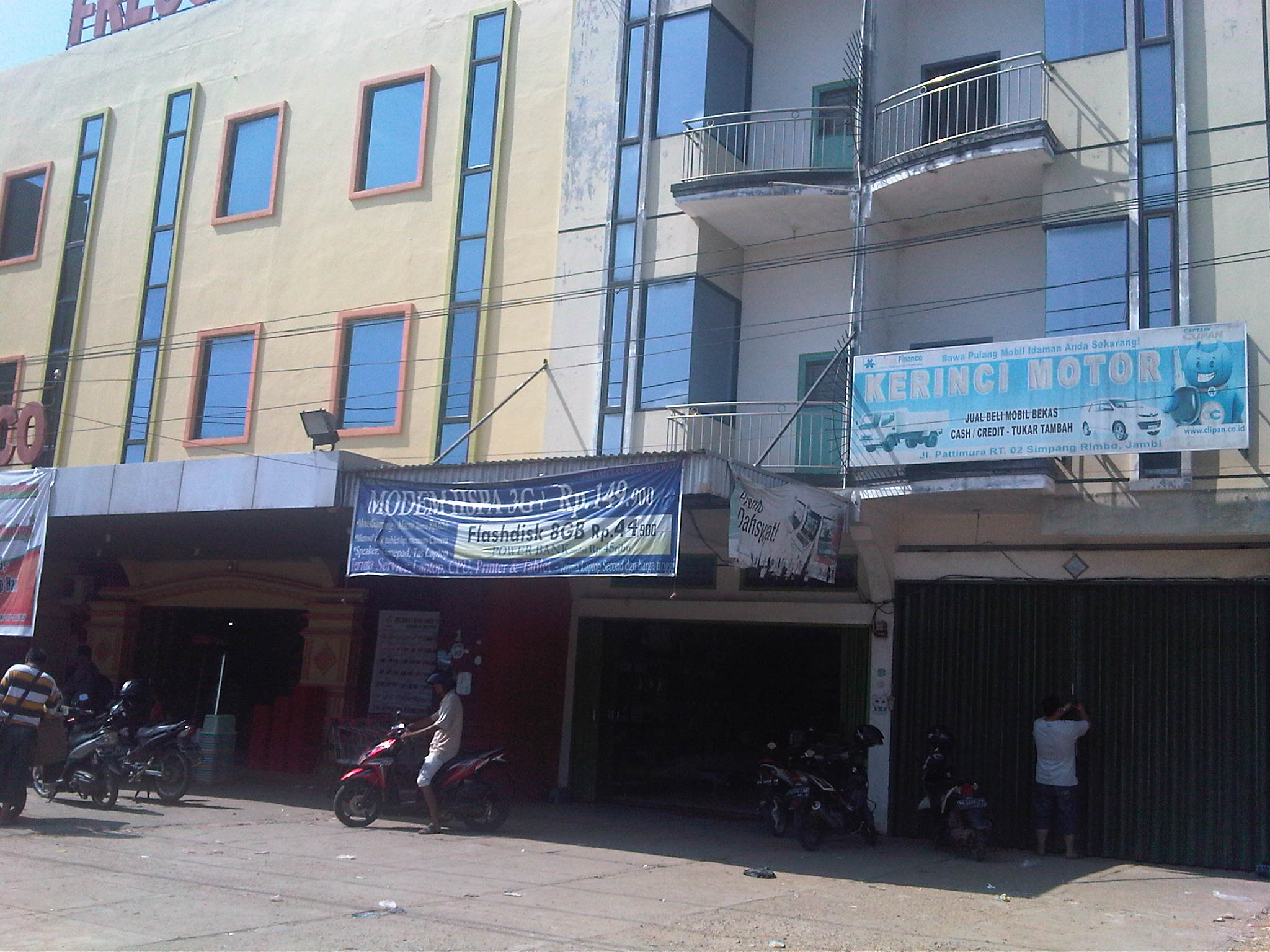Jl. Patimura , Dekat Fresco – Jambi